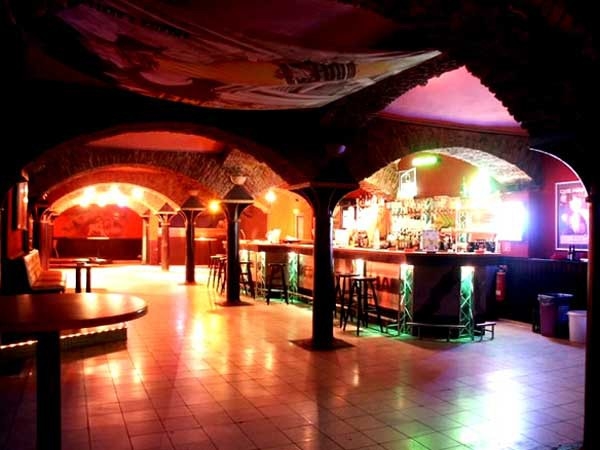 . Spektakul rer Club in industrieller Kulisse in Bochum mieten