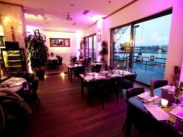 restaurant am innenhafen in duisburg mieten eventlocation und hochzeitslocation location. Black Bedroom Furniture Sets. Home Design Ideas