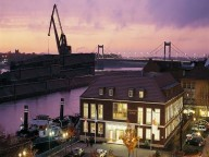 Location: Maritime Eventlocation am Hafen