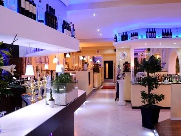 mediterranes restaurant mit stil in duisburg mieten eventlocation und hochzeitslocation. Black Bedroom Furniture Sets. Home Design Ideas