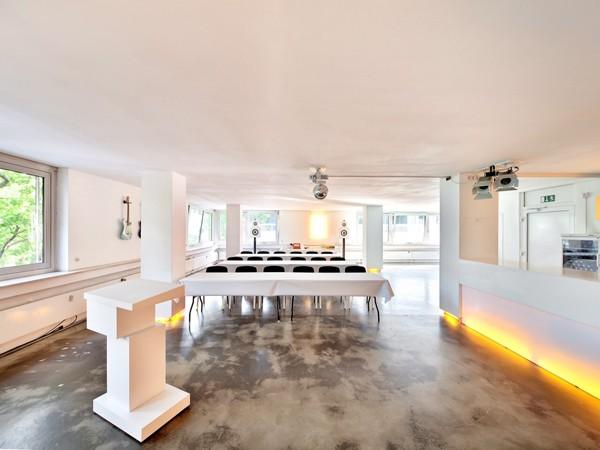 das b ro raum f r kommunikation in stuttgart mieten eventlocation und hochzeitslocation. Black Bedroom Furniture Sets. Home Design Ideas