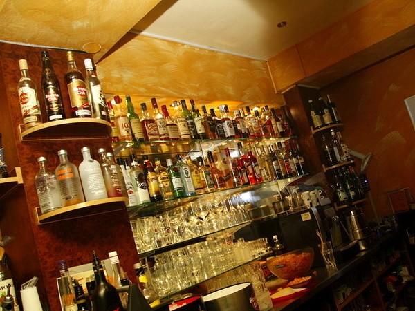 Shisha und cocktailbar am hauptbahnhof in essen ruhr - Shisha bar dekoration ...