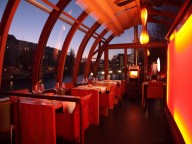Location: Elegantes Restaurantschiff am Spree-Ufer