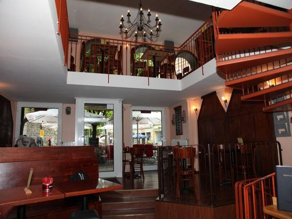 Modernes Caf 233 Und Restaurant Im Zentrum In K 246 Ln Mieten