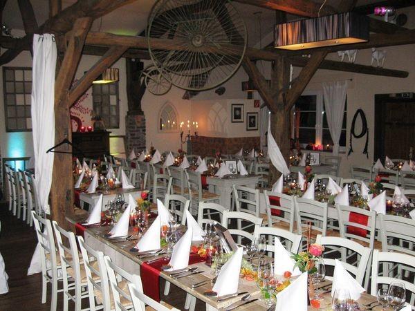 stilvoll rustikales restaurant in duisburg mieten eventlocation und hochzeitslocation. Black Bedroom Furniture Sets. Home Design Ideas