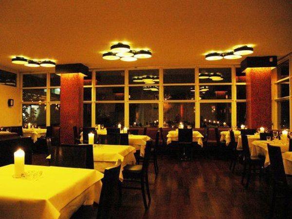 restaurant im volkspark friedrichshain in berlin mieten eventlocation und hochzeitslocation. Black Bedroom Furniture Sets. Home Design Ideas