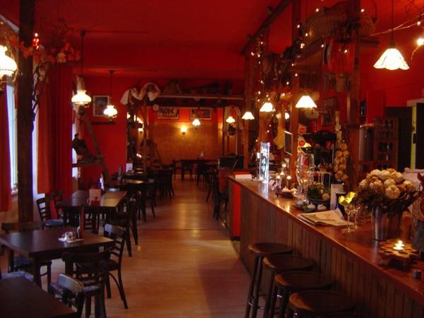 wohnzimmer bar darmstadt:Location: Spezialitäten-Restaurant mit Partykeller – Bildergalerie