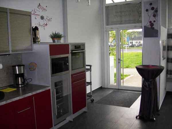 eventraum mit moderner k che in berlin mieten eventlocation und hochzeitslocation location. Black Bedroom Furniture Sets. Home Design Ideas