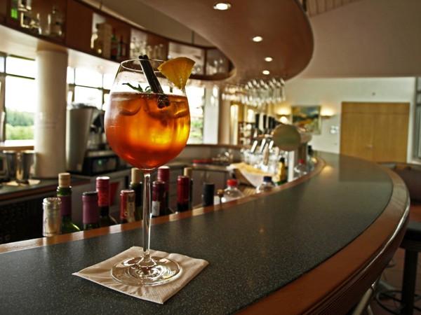 restaurant am golfclub bei lobenfeld in lobenfeld mieten eventlocation und hochzeitslocation. Black Bedroom Furniture Sets. Home Design Ideas