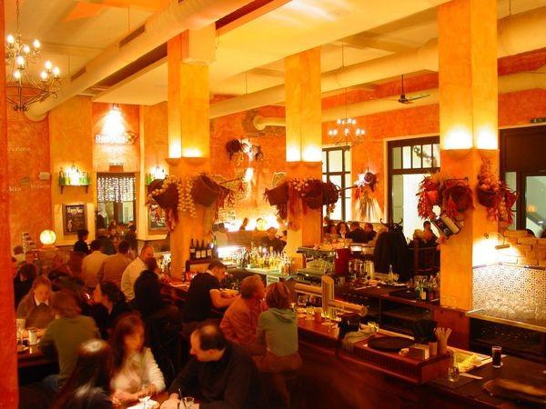 spanisches restaurant mit bar in hannover in hannover. Black Bedroom Furniture Sets. Home Design Ideas