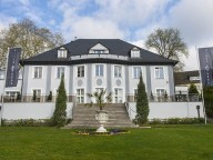 Location: Repräsentative Villa in Wetter