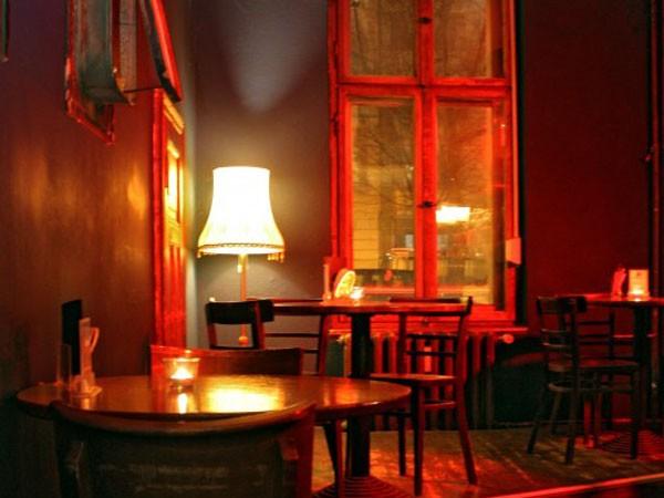 wohnzimmer bar darmstadt: gemütliche bar in berlin mitte diese kleine bar liegt im illustren