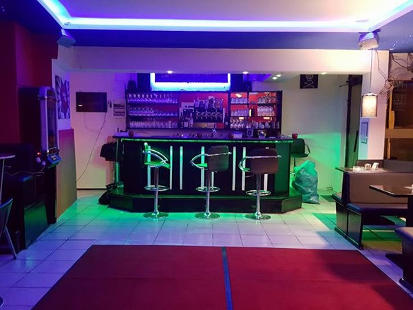 gem tliche bar mit tanzfl che in hamburg mieten eventlocation und hochzeitslocation location. Black Bedroom Furniture Sets. Home Design Ideas