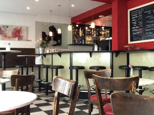 italienische cafe bar in der altstadt in regensburg mieten eventlocation und hochzeitslocation. Black Bedroom Furniture Sets. Home Design Ideas