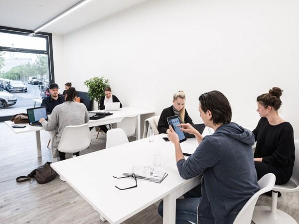 moderner tagungsraum in berlin mitte in berlin mieten eventlocation und hochzeitslocation. Black Bedroom Furniture Sets. Home Design Ideas