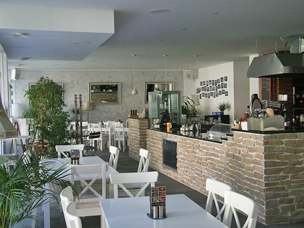 gem tliches restaurant mit offener k che in m nchen mieten eventlocation und hochzeitslocation. Black Bedroom Furniture Sets. Home Design Ideas