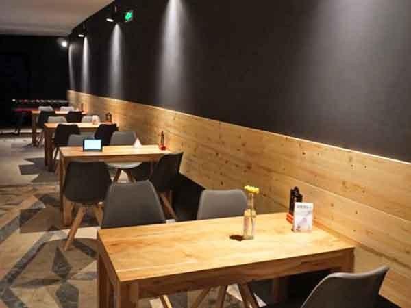 cafe mit wohnzimmer-atmosphäre in karlsruhe mieten | eventlocation, Wohnzimmer dekoo
