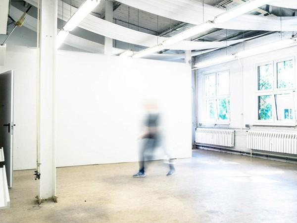 Heller Raum Für Künstlerische Visionen In Berlin Mieten