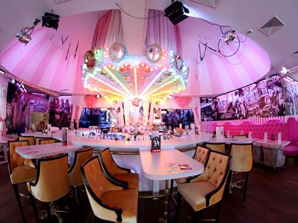 cocktailbar und event restaurant in berlin mieten eventlocation und hochzeitslocation. Black Bedroom Furniture Sets. Home Design Ideas