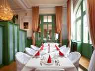 Location: Edles Hotel mit Saal