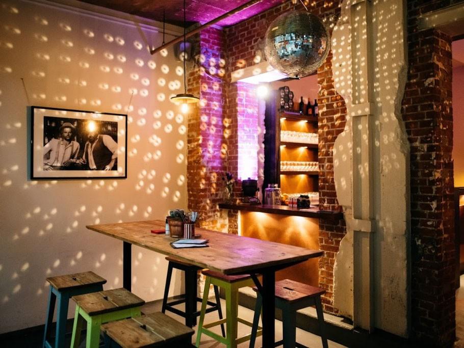lunch und bar in der zeisehalle in hamburg mieten eventlocation und hochzeitslocation. Black Bedroom Furniture Sets. Home Design Ideas