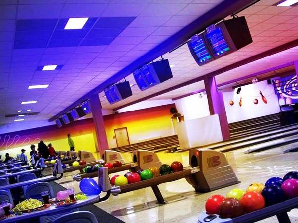 bowling center in waldkirch bei freiburg mieten eventlocation und hochzeitslocation location. Black Bedroom Furniture Sets. Home Design Ideas