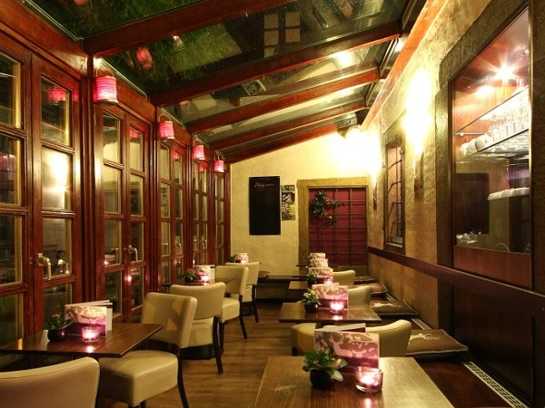 caf und bar regensburger altstadt in regensburg mieten eventlocation und hochzeitslocation. Black Bedroom Furniture Sets. Home Design Ideas